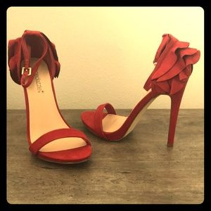 Red straps heels w/ ruffled backs Size 7